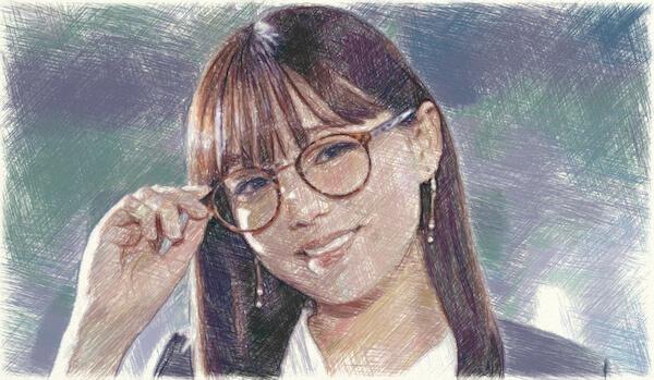 サテライトオフィスCMのメガネ女優がかわいい!篠崎愛の経歴と画像も!